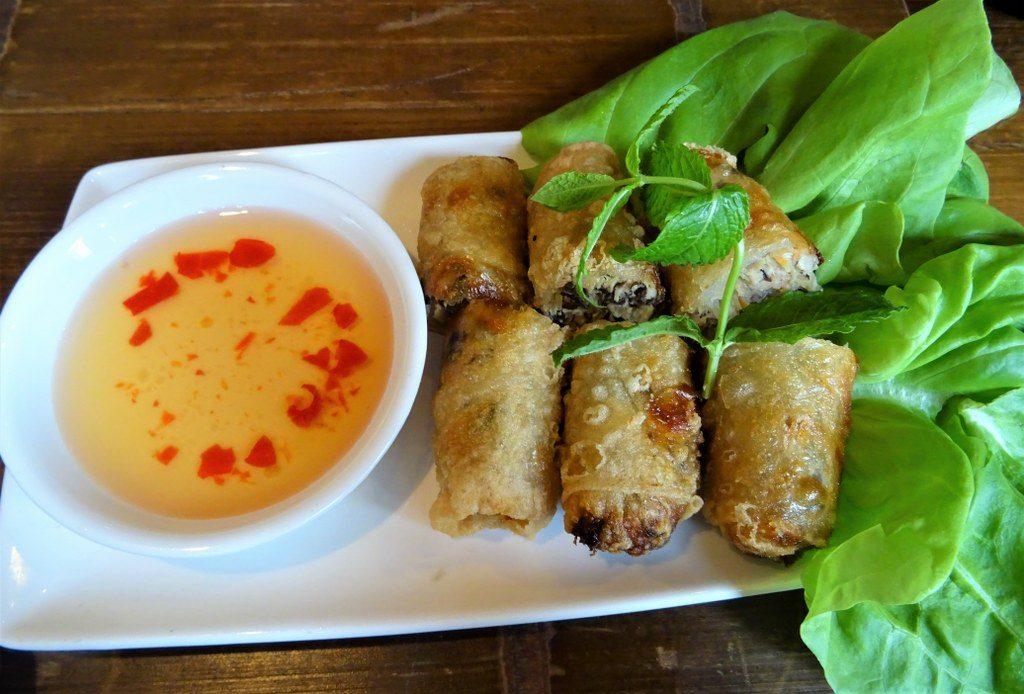 pho restaurant spring rolls